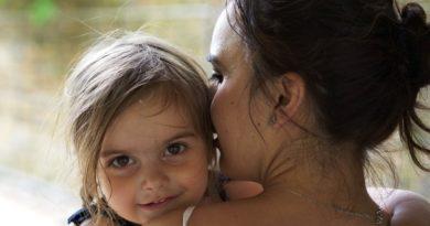 Rodzicom dzieci do 8 roku życia będzie przysługiwać dodatkowe 14 dni zasiłku opiekuńczego